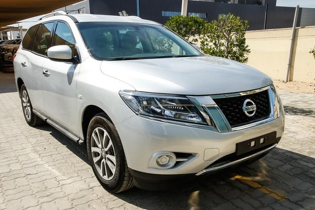 Used Nissan Pathfinder 2015 Car for Sale in Dubai