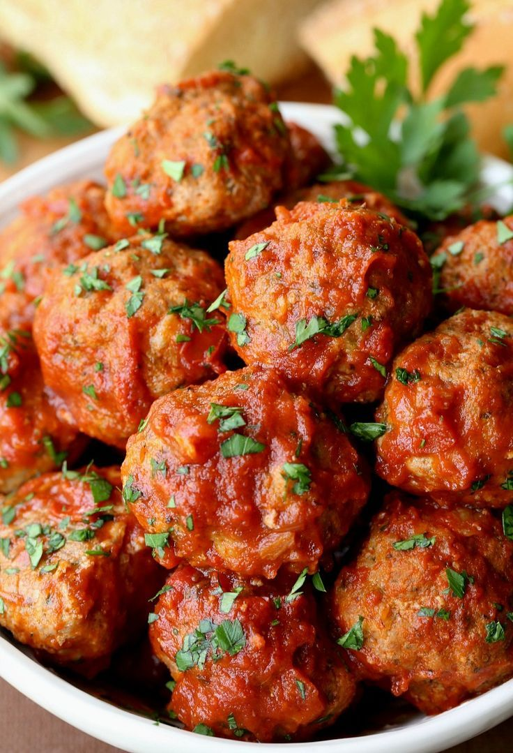 Grandma S Sunday Meatballs And Sauce Is A Classic Comfort Food Sunday Dinner Meatballs Sundaysuppe Healthy Italian Recipes Italian Meatballs Recipe Recipes
