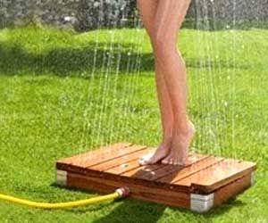 Upside Down Shower. Perfect for rinsing feet off before heading to tent/camper. by cool-camping-gear.com