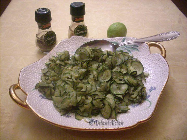 Zucchine+croccanti+allo+zenzero+e+limone,+un+contorno+fresco+e+saporito