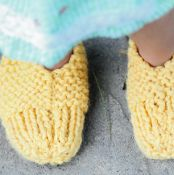 1 Hour Booties - Free Knitting - via @Craftsy