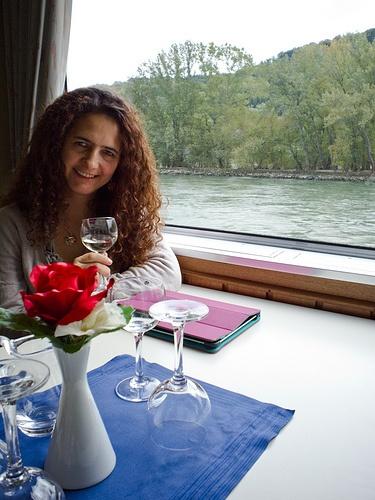 Navegando en el rio Rin, con Liliana