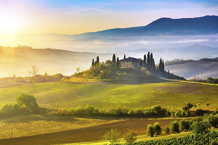 The most romantic places on earth Tuscany - Italy We could go on for days about the allure of Tuscany, but we're not going to. Instead we'll just give you a few simple points and let your imagination evoke the feelings of romance for you. Italian food, sunshine, wine, cobbled lanes, art, Siena, Florence...