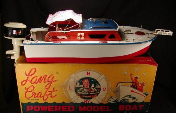 2040: Lang Craft Battery Powered Model Boat w/Box. : Lot 2040