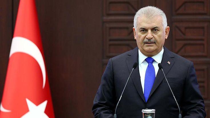 Başbakan Binali Yıldırım'ın Cumhurbaşkanı Recep Tayyip Erdoğan ile görüşmesinin ardından, Cumhurbaşkanlığı Külliyesi'nde yeni kabineyi açıkladı.