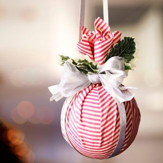 Diy Christmas make a bunch under $5~ I love this idea. I got a bag of 20 golf balls for $ 2 from a yard sale. Such a simple project for homemade tree ornaments, or curtain tie backs, or hang them on doorknobs =) golf balls, or Styrofoam balls (any size) scraps of fabric, ribbon, sheer ribbon, leaves, or other festive do-dads