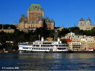 Relax on our 1 1/2 hour narrated cruise on the Saint Lawrence River