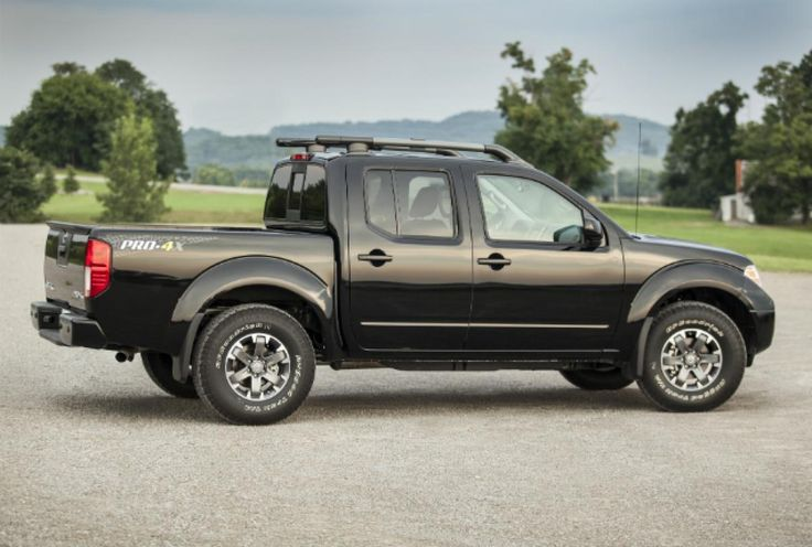 Side view of the 2014 Nissan Frontier PRO-4X