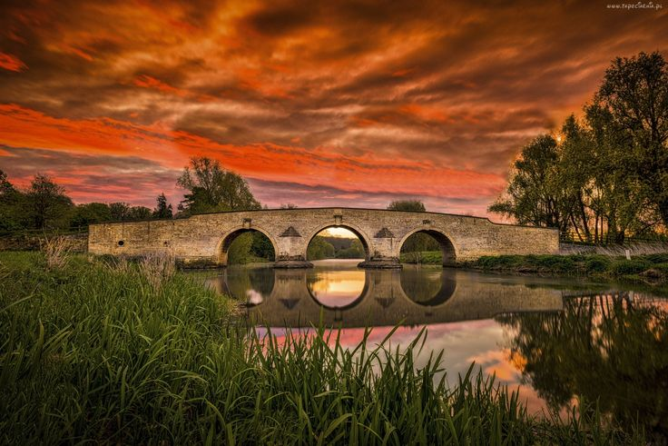 Most, Wschód słońca