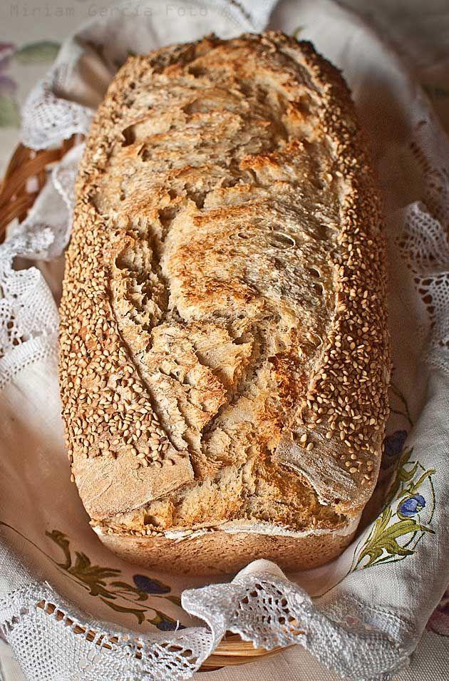 Pan molde rústico con masa madre y harina de fuerza integral