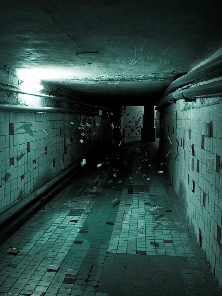 1000 images about creepy hallways on pinterest maze for Haunted house hallway ideas