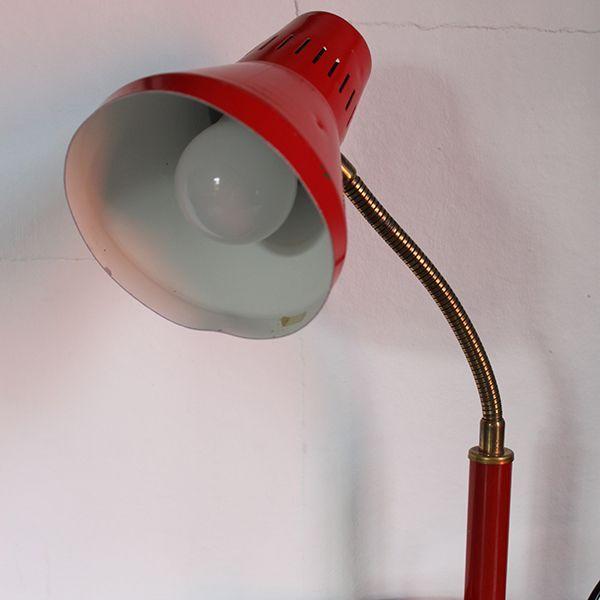 Klassisk bordslampa/skrivbordslampa från Hemi. Pris 395 SEK