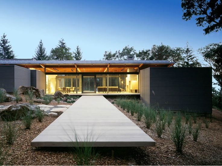 Wine country retreat. Rutherford, California - Napa Valley.  Designed by architecture studio Johnson Fain.