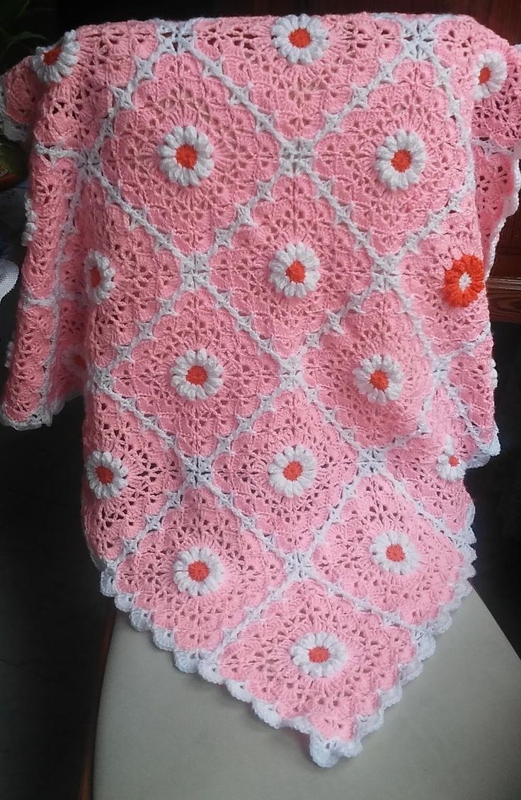 657 best baby blankets sacks images on pinterest knitting pink daisy crocheted baby blanket bankloansurffo Gallery