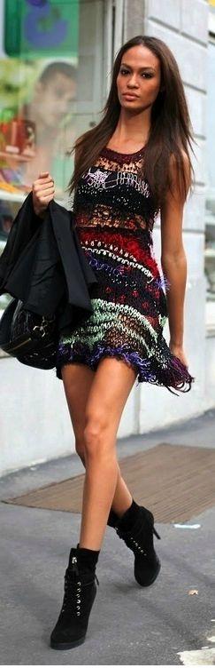 Model Street Fashion