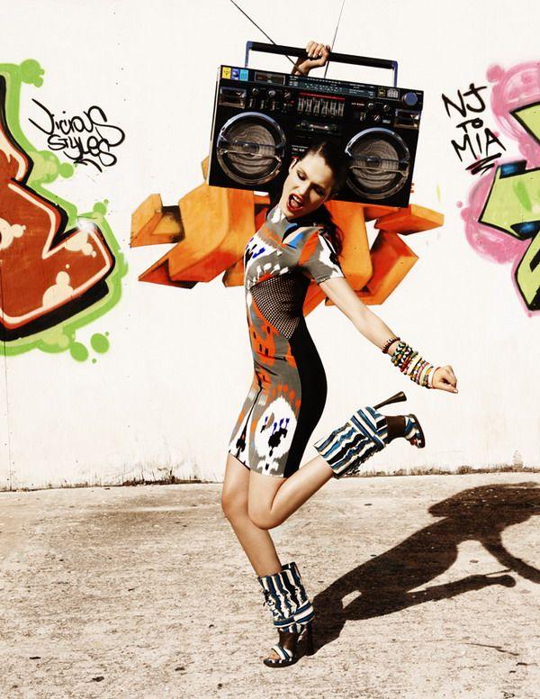 Fashion graffiti, Boots r Killer