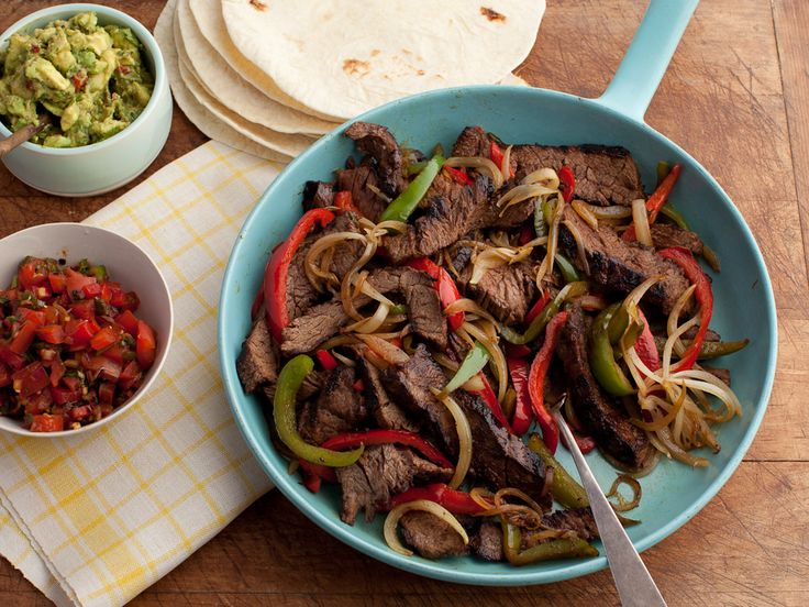 Gold Medal Sizzling Fajitas Recipe : Paula Deen : Food Network - FoodNetwork.com  Can be made with chicken or beef :-)
