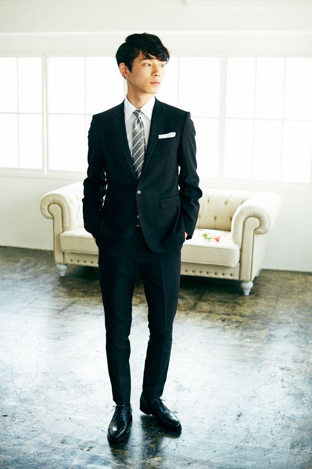 <結婚式 服装 男性 列席者スタイル> グレーのストライプネクタイ