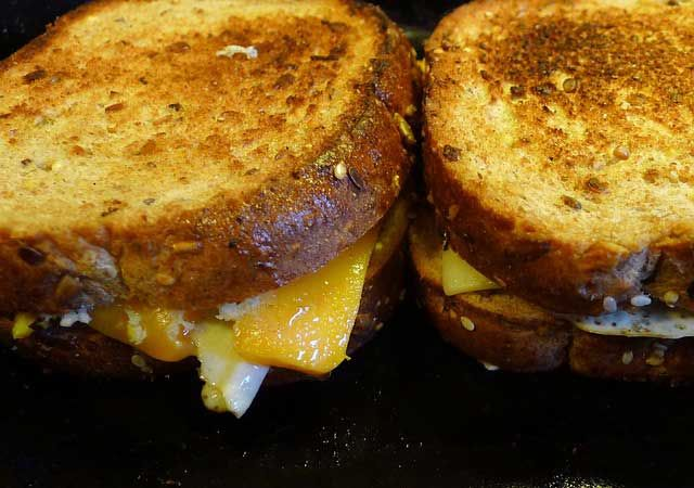 #food Another yummy recipe by @sloanetaylor2  - Grilled Cheese and Soup https://www.divinemagazine.biz/grilled-cheese-and-soup/