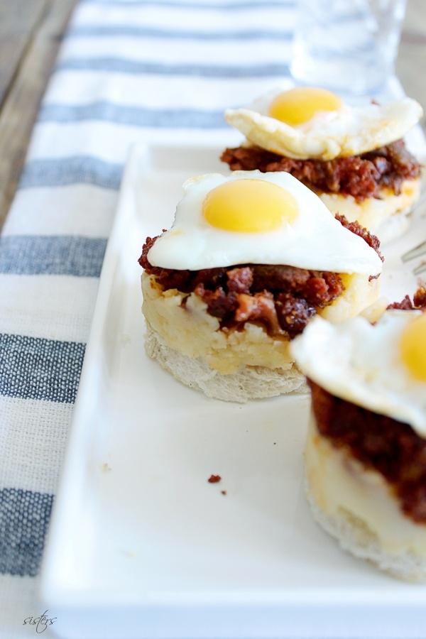 Aperitivo de picadillo, patata y huevo