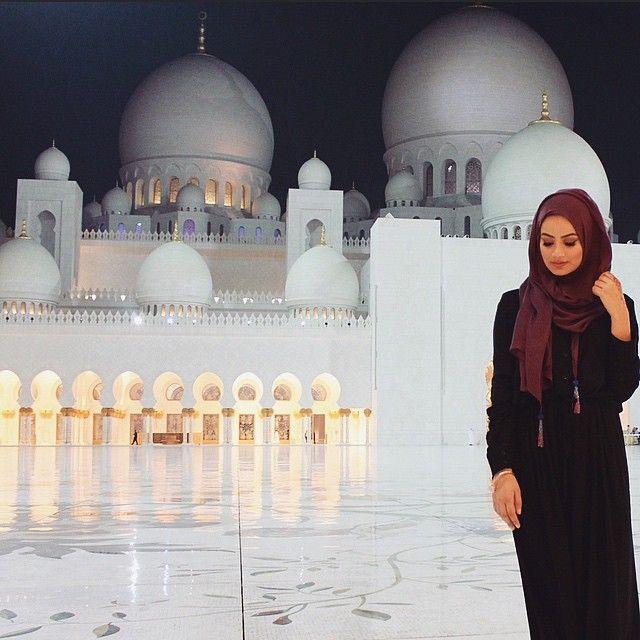 Ruba Zai @hijabhills -