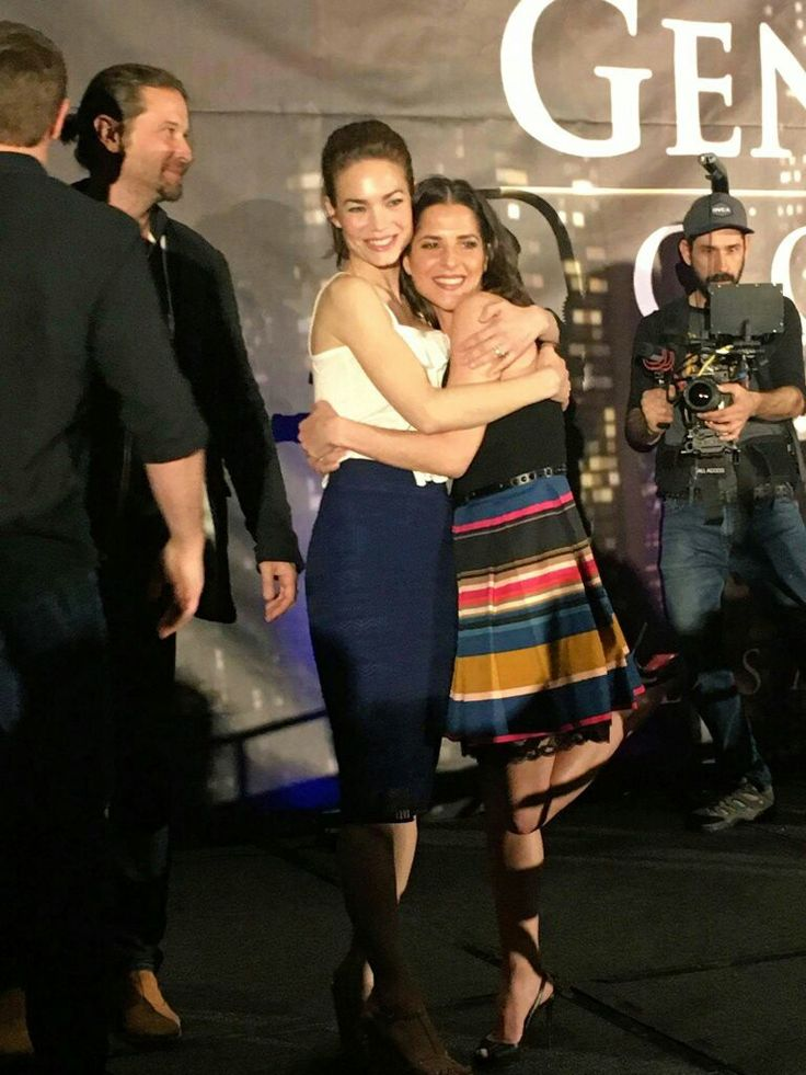 General Hospital | Rebecca Herbst (Elizabeth) and Kelly Monaco (Sam) at the GH Convention 2017