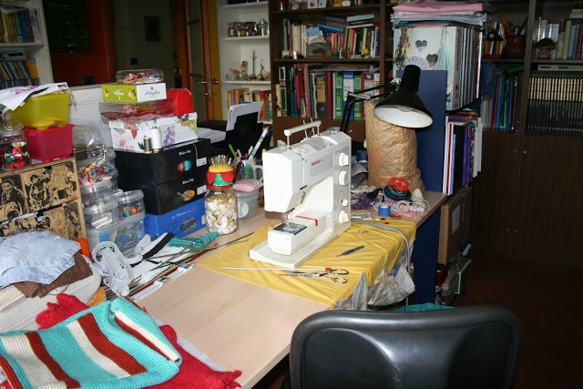 troppe idee e mai abbastanza tempo: My desk is a mess!