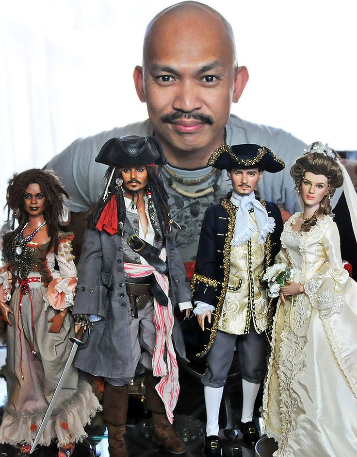 The Bloomin' Couch: Noel Cruz, the Doll Master