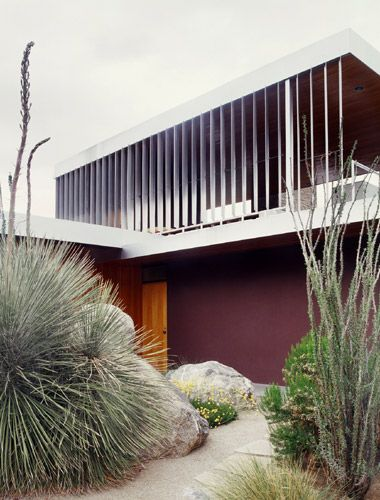 AD Classics: Kaufmann House / Richard Neutra - wonder if the purple wall was Richards choice? Guess not.