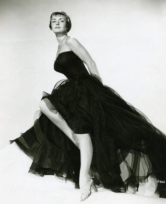 Brigitte Auber    http://www.brixpicks.com/brigitte-auber-a-3317.html    image: www.whosdatedwho.com