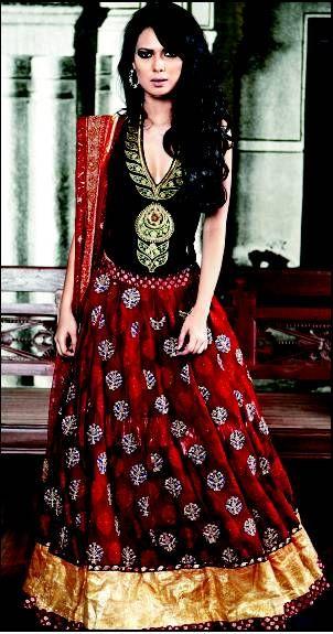 Maria Roi Wearing Designer Ritu Kumar Bridal Lehenga