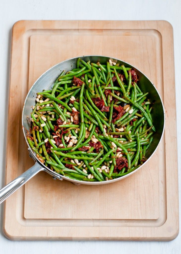 Foodie Friday – Green Beens with Olives and Sun Dried Tomotoes. No points / leave out olives