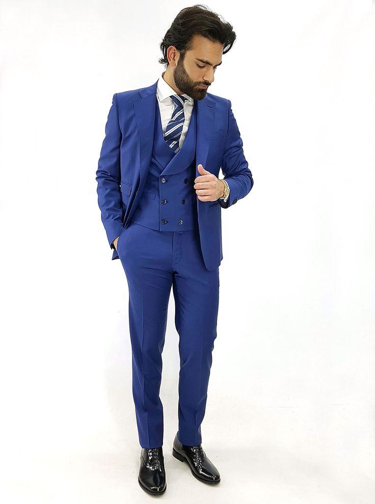 L'intramontabile eleganza dell'abito #BLU, un #MUSTAHAVE che non può mancare nel tuo armadio. Ecco la nostra combinazione perfetta per un look da cerimonia:  Abito blu Brian Dales, Camicia bianca collo francese Cravatta in seta a righe diagonale Eredi Chiarini Scarpe stringate #CARILLO #SHOES  #giacca #pantalone #camicia #blu #2017