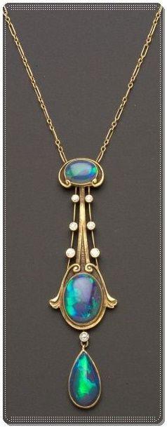 Siyah Opal ve elmas kolye,