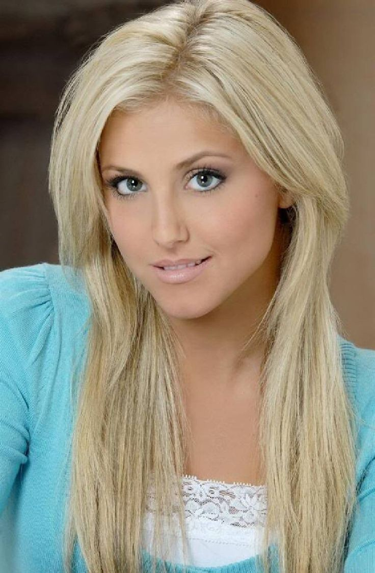 "Cassie Scerbo. Cassandra Lynn ""Cassie"" Scerbo (born March 30, 1990) is an American actress, singer and dancer. She is best known for her roles in Bring It On: In It to Win It as Brooke and Make It or Break It as Lauren Tanner. She is now in a realationship with actor Cody Longo.  Born March 30, 1990 in Long Island, New York, USA"