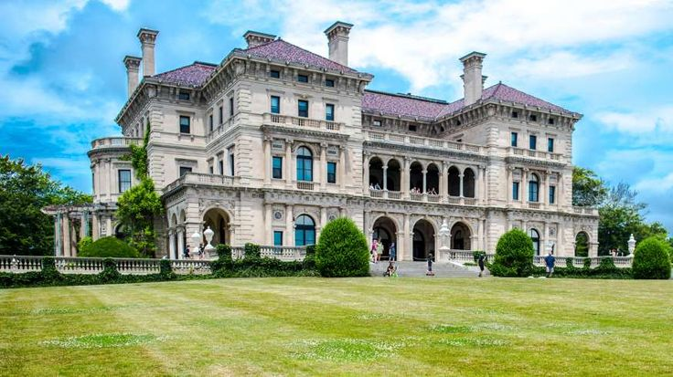 The summer home of Cornelius Vanderbilt II, The Breakers was completed in 1895 at a cost of more tha... - Elena Kapitsa / Shutterstock.com