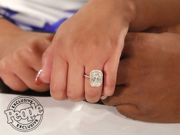 Adrienne Bailon's engagement ring from Israel Houghton