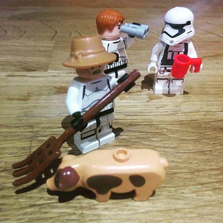 I don't see the farmer anywhere!!! #stormtrooperlife #stormtrooper #TheForceAwakens #stormtrooperfirstorder #starwarsfigures #igerstarwars #igers #igersbcn #starwars #starwars7 #starwars7theforceawakens #picoftheday #pic #legofigure #lego #legotechnic #legostagram #legominifigures #legomania #starwarsvii #instalego #brick #brickmania by andandoporlacalle