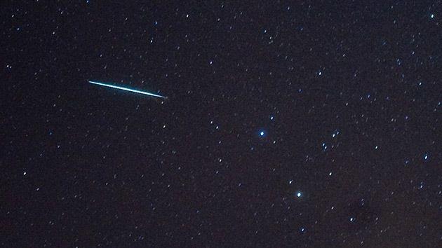 """Videos, fotos: Meteoritos """"increíbles"""" surcan el cielo al oeste de Canadá y EE.UU. – En las redes sociales circulan imàgenes y videos de meteoritos que pudieron verse en el cielo sobre la costa Pacìfica de Norteamèrica.-"""