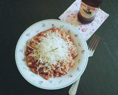 Ti Küldtétek Recept (A recept beküldője: pap Nóra) HúsmentesPasta e fagioli        Pasta e fagioli    Hozzávalók (kb. 3-4 adaghoz)   olívaolaj(olívaolaj ITT!) 1 hagyma 1 zellerszár 4 gerezd fokhagyma 1 doboz konzerv hámozott paradicsom (előnyben részesítem az olasz konzer