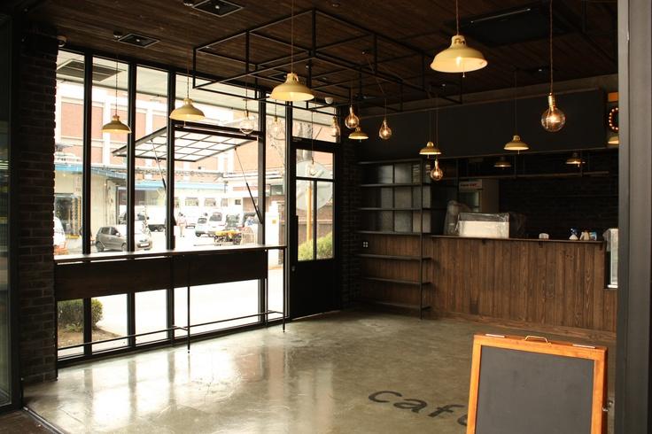 KOREA - VINTAGE CAFE INTERIOR Production design by SCREENART  http://www.byscreenart.com/