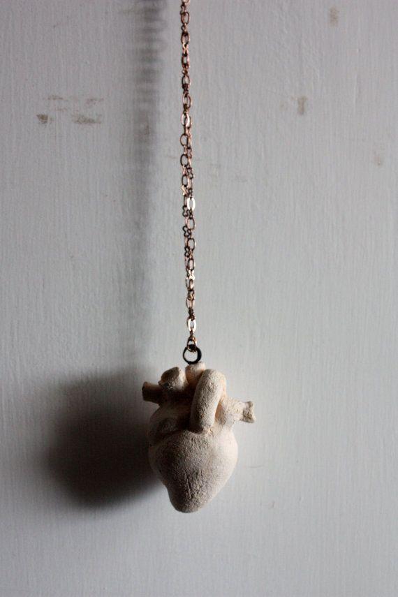 Cardio BijouxCollana Cuore anatomico by malfattimanufatti on Etsy, $36.50