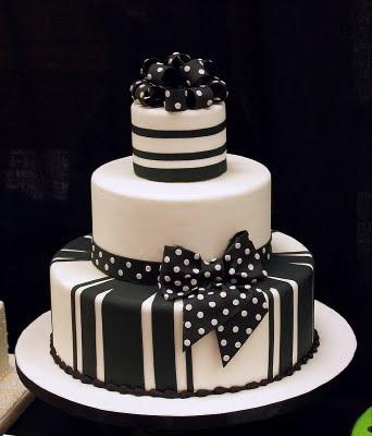 Siyah, beyaz ve tek kelimeyle mükemmel! Vanilla'nın en sevdiği renk ikilisi...