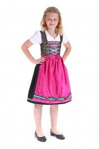 Ob für die Schulfeier oder als Outfit für´s #Oktoberfest - dieses flotte #Teene_Dirndl mit Bluse und Schürze aus dem #Trachtenshop von Riehl begleitet modebewusste Girls überall hin.