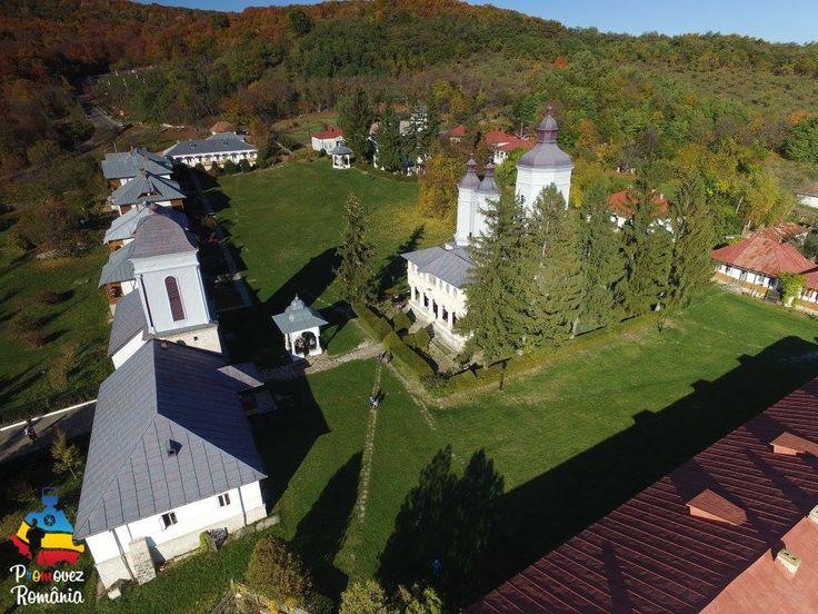 Mănăstirea Ciolanu, o mânăstire de călugări și unul dintre cele mai vizitate puncte turistice din Buzău, atestată din secolul 16, și menținându-și forma până în ziua de azi. Este situată pe versantul sudic al dealului Ciolanu, către pârâul Niscov, având în împrejurime pădure, astfel încât acest loc fiind cea mai bună alegere pentru relaxare și rugăciune.