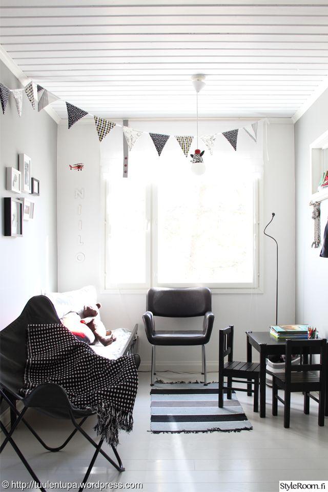 Tuulentupa remontoi mustavalkoisen lastenhuoneen vanhempien makuuhuoneen yhteyteen. #lastenhuone #mustavalkoinen #kodinsisutus #homedecor #styleroom