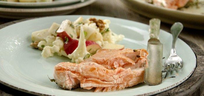 grillet laks med salat av epler og blomkål 2