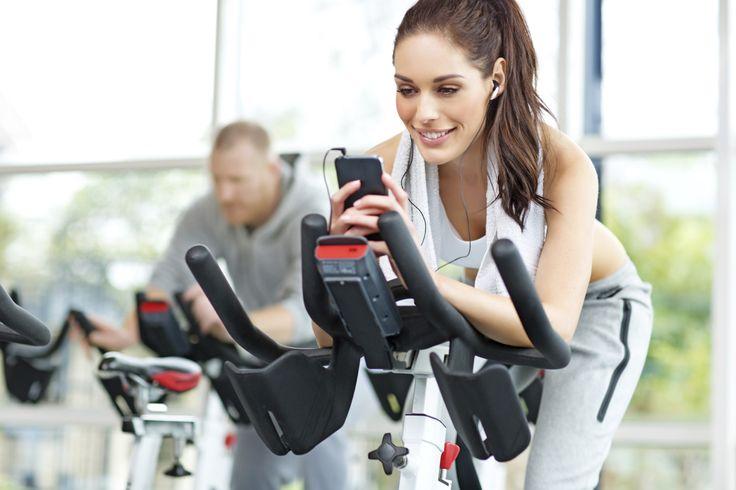 Precisando de motivação na academia ou até monitorar melhor as calorias perdidas e os quilômetros corridos? Esses 10 aplicativos vão te ajudar – e muito!
