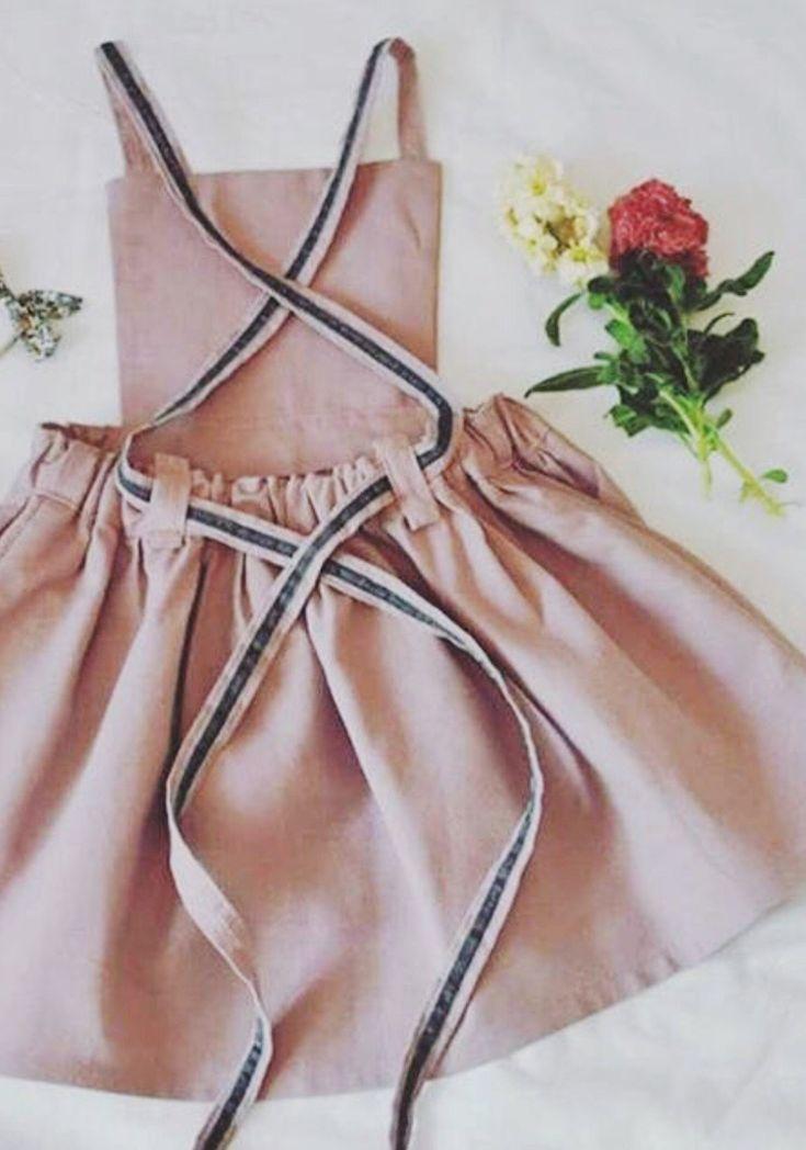 Mädchen handgemachte Leinen Schürze Kleid – Kinderklamotten