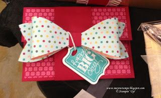 www.mayrastamps.blogspot.com Gift card holder featuring Stampin' Up!'s Big Bow Die for the Big Shot.